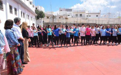 El colegio Liceo acoge la concentración contra la violencia de género