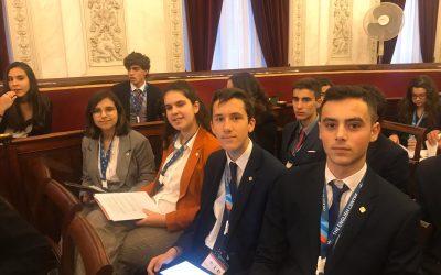 Alumnos de 1° de Bachillerato clasificados para la fase nacional del MEP (Modelo Parlamento Europeo)